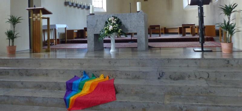 Bodenbild vor dem Altar in St. Ulrich, Pfarrverband Laim