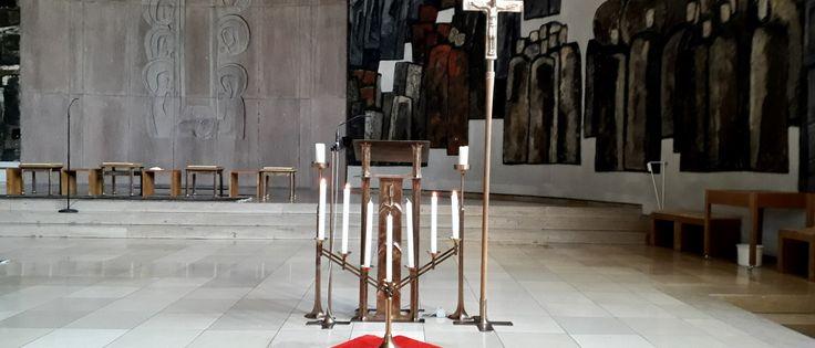 """Siebenarmiger Leuchter in der Kirche """"Zu den heiligen Zwölf Aposteln"""" (Bild: S.Keller)"""