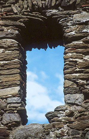 Durchblick Steinfenster
