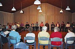 Seniorenclub von Namen Jesu - Stuhlkreis